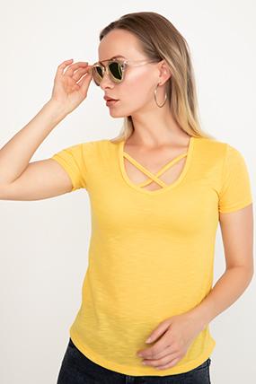 V Yaka Ön Detaylı T-shirt-41035083201