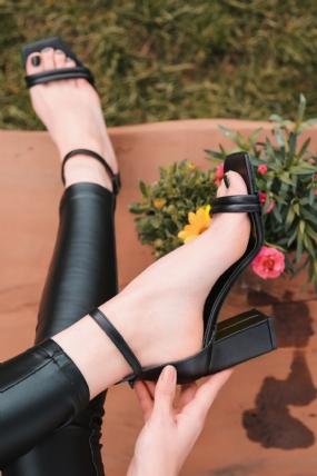 Esga Siyah Cilt Topuklu Ayakkabı-12628