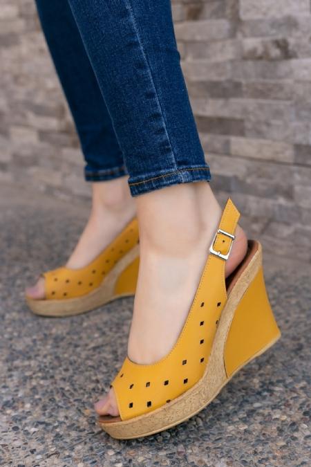 Martina Sarı Cilt Dolgu Topuk Ayakkabı-6810