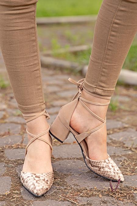 Bilek Baglamalı Yılan Desenli Alcak Topuklu Ayakkabı_VIZON